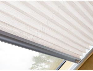 Фото: Плиссированная штора Fakro APS I 55x98
