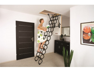 Фото: Чердачная лестница Fakro LST