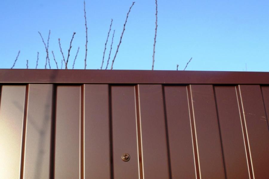 П-образная планка на забор из профнастила
